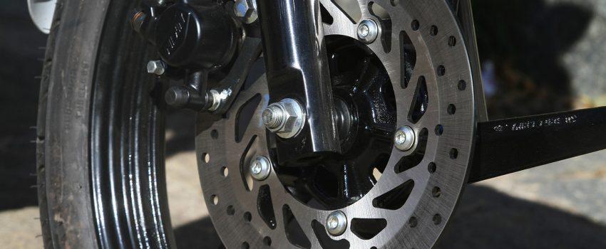 ABS em motos: É preciso saber usar